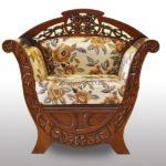 Кресло, созданное на основе красного дерева