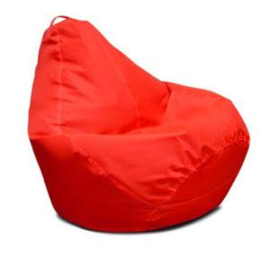 Кресло в виде груше, выполненное в красном цвете