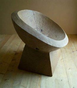 Модель кресла, созданного на основе дуба