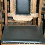 Мягкое кресло, созданное с помощью сосны