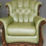 Мягкое современное кресло в красивом оливковом цвете