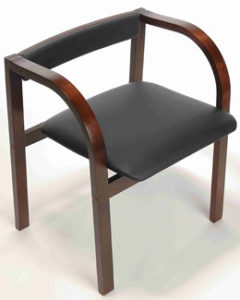 Небольшое деревянное кресло для дома