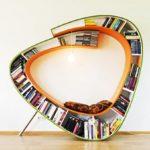 Необычный дизайн кресла, созданного из книг