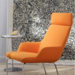 Оранжевое кресло для обустройства дома