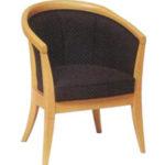Оригинальное красивое кресло на основе бука