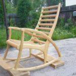 Оригинальное кресло на основе лиственницы