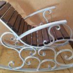 Оригинальное кресло созданное из трубы