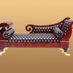 Оригинальные кресла на основе красного дерева