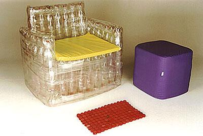 Пластиковые светлые бутылки для создания кресла