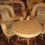 Плетеное шикарное кресло, созданное из лозы