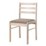 Практичное кресло из массива дерева