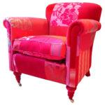 Разноцветное розовое кресло