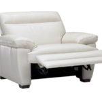 Реклайнер кресло в белом тоне для обустройства