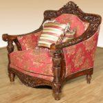 Резное кресло из красного дерева