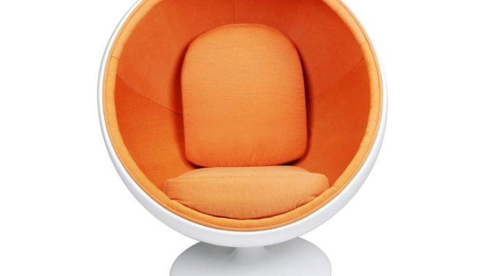 Шар кресло для обустройства дома в оранжевом цвете
