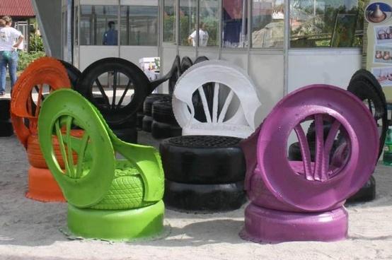 Садовые кресла из колес