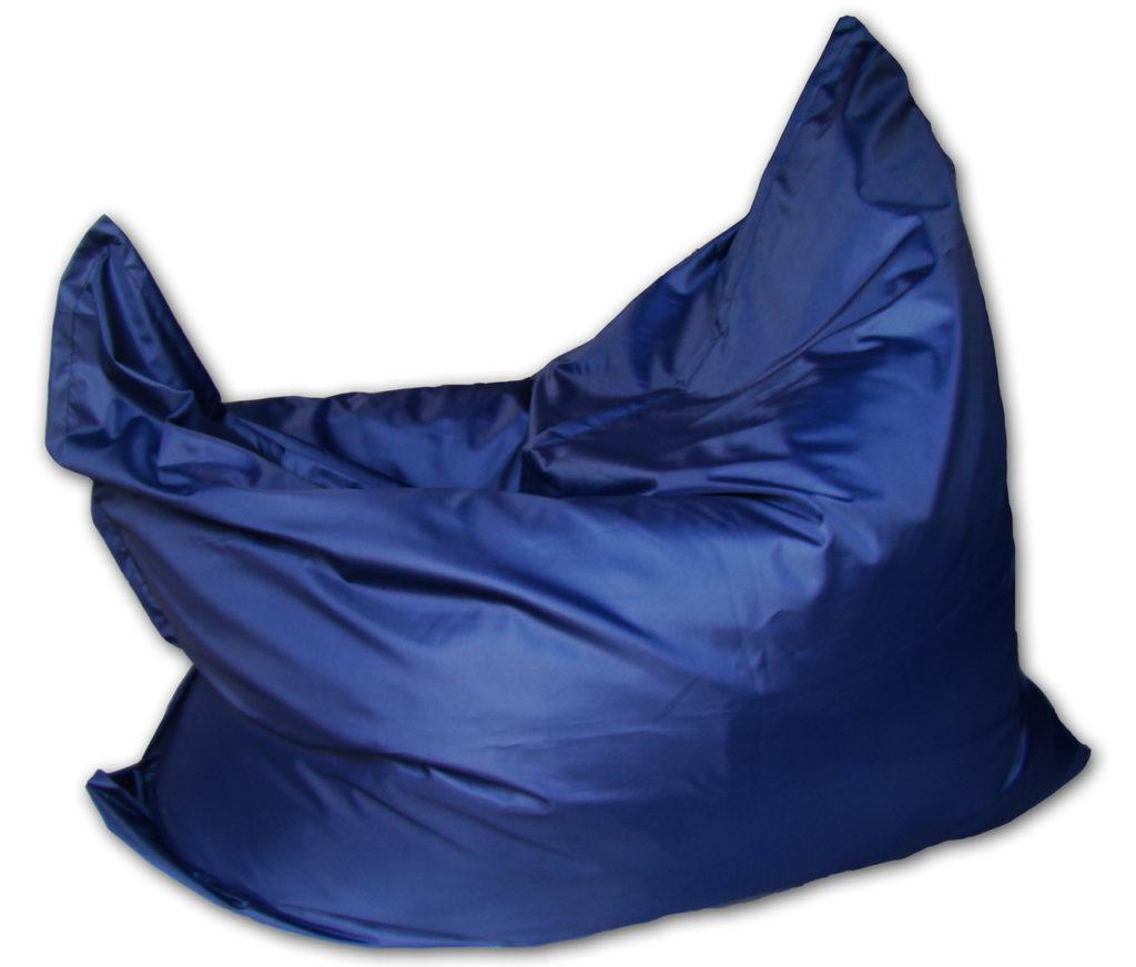 Синее темное кресло для дома