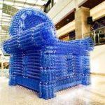 Синие кресла на основе бутылок
