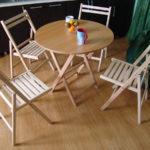 Складные кресла на основе бука