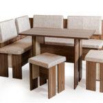 Сосновое кресло для дома