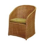 Современное кресло из лозы