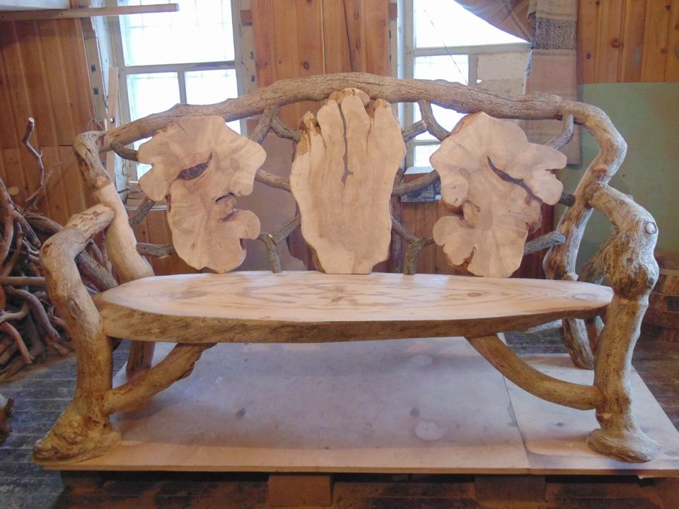 Созданное кресло из коряги своими руками