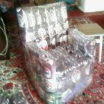 Созданное кресло на основе бутылок