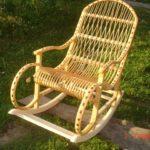 Светлое лозовое кресло из лозы