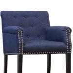 Темно-синее кресло в интерьере дома