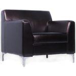 Темное коричневое кресло