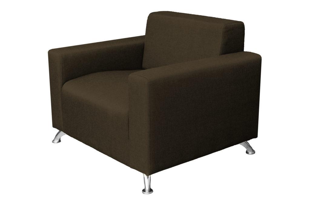 Темное кресло, созданное из бруса