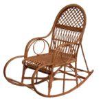 Темное лозовое кресло