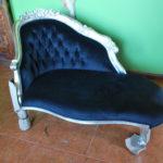 Велюровое шикарное кресло