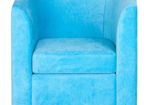Яркий оттенок голубого кресла