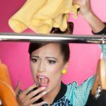 Как избавиться от неприятного запаха в шкафу с одеждой