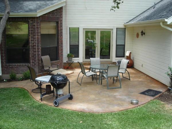 1370628751_Concrete-Patio-with-Set