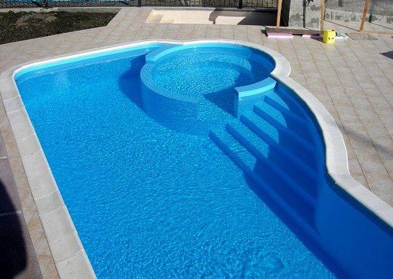 Как выбрать хороший бассейн для частного или загородного дома