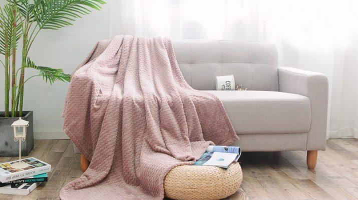 Как правильно выбрать покрывало для дивана