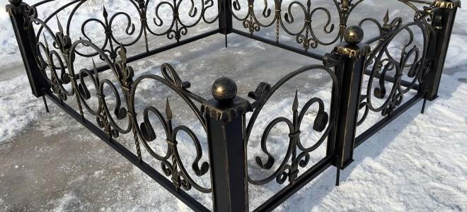 Из чего делают могильные ограды и нужны ли они на кладбищах